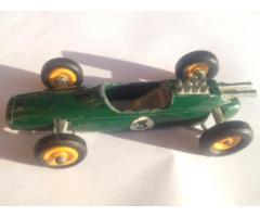 Biete Matchbox Lotus Race Car green no. 19; Made in England by Lesney;