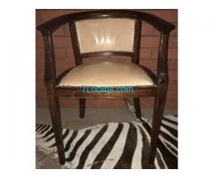 Biete Schreibtisch Sessel ca. 1930 restauriert mit neuem Lederbezug!